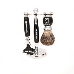 "Evolution Island ""The Raven"" Mach 3 Shaving Set"